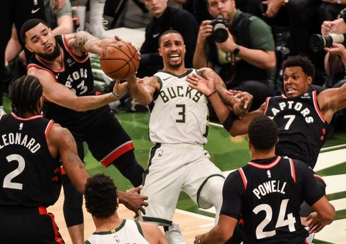 حضور تورنتو رپترز در 5 تیم برتر NBA