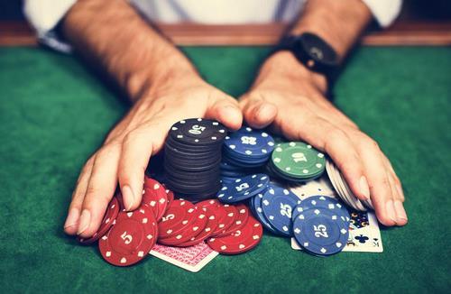 معرفی بازی کارتی پوکر حرفه ای