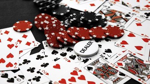 قانون دو و چهار در بازی پوکر