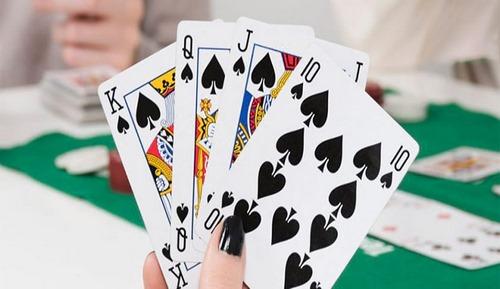 بازی چهار برگ چیست؟