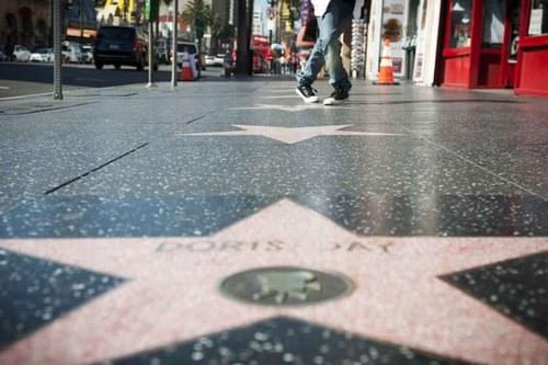 ارزش خانه های هالیوود به چه صورت است؟