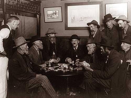 تاریخچه میز پوکر