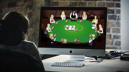 میز  پوکر کازینو های آنلاین با میز ها در واقعیت متفاوت می باشند؟