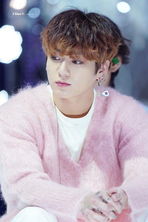 حاشیه های جونگ کوک به چه صورت می باشد؟