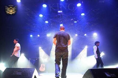 در کنسرت زد بازی کدام یک از اعضای گروه حضور دارند؟