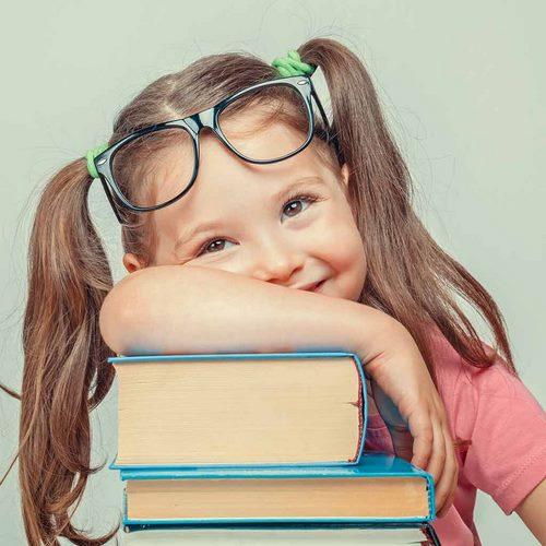 بوک بلاگرها، کتاب های ممنوعه را چگونه به دست می آورند؟